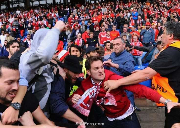 Liverpool vs Sevilla - crowd violence before final.        Liverpool vs Sevilla, 1 - 3. Europa League final is over. Part II. ... 43  PHOTOS        ... Sevilla retain the Europa League and make it an incredible three in a row, five since 2005.        More details:         http://softfern.com/NewsDtls.aspx?id=1092&catgry=6            SoftFern News, SoftFern Sport News, SoftFern Football News, photos of Sevilla, video, all goals, the best moments, Grzegorz Krychowiak, Unai Emery, 2016 Europa…
