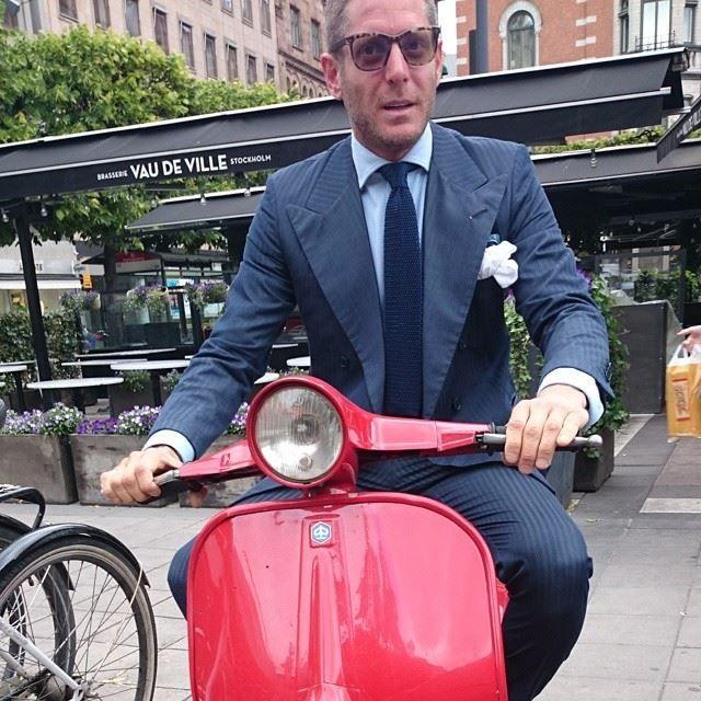 Lapo on a scooter, destiny