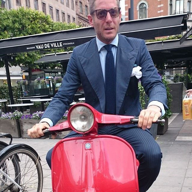 Lapo on a scooter, destiny:
