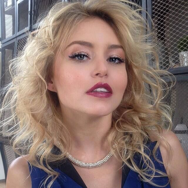 Angelique boyer natural hair color