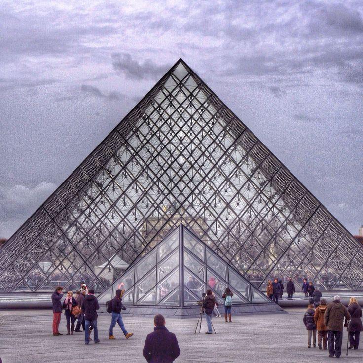 Paris. Louvre.