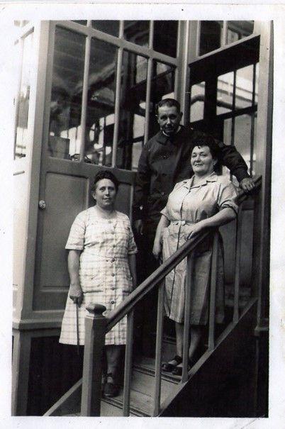 D'autres ouvriers de la filature Le Blan. (archives association La Machinerie ou mairie de Mantes-la-Ville)