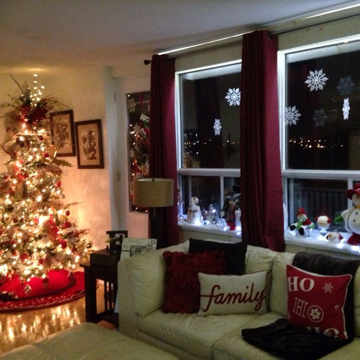 Christmas Decoration Ideas For Small Apartment, Red, Gold, Silver, Christmas  Tree