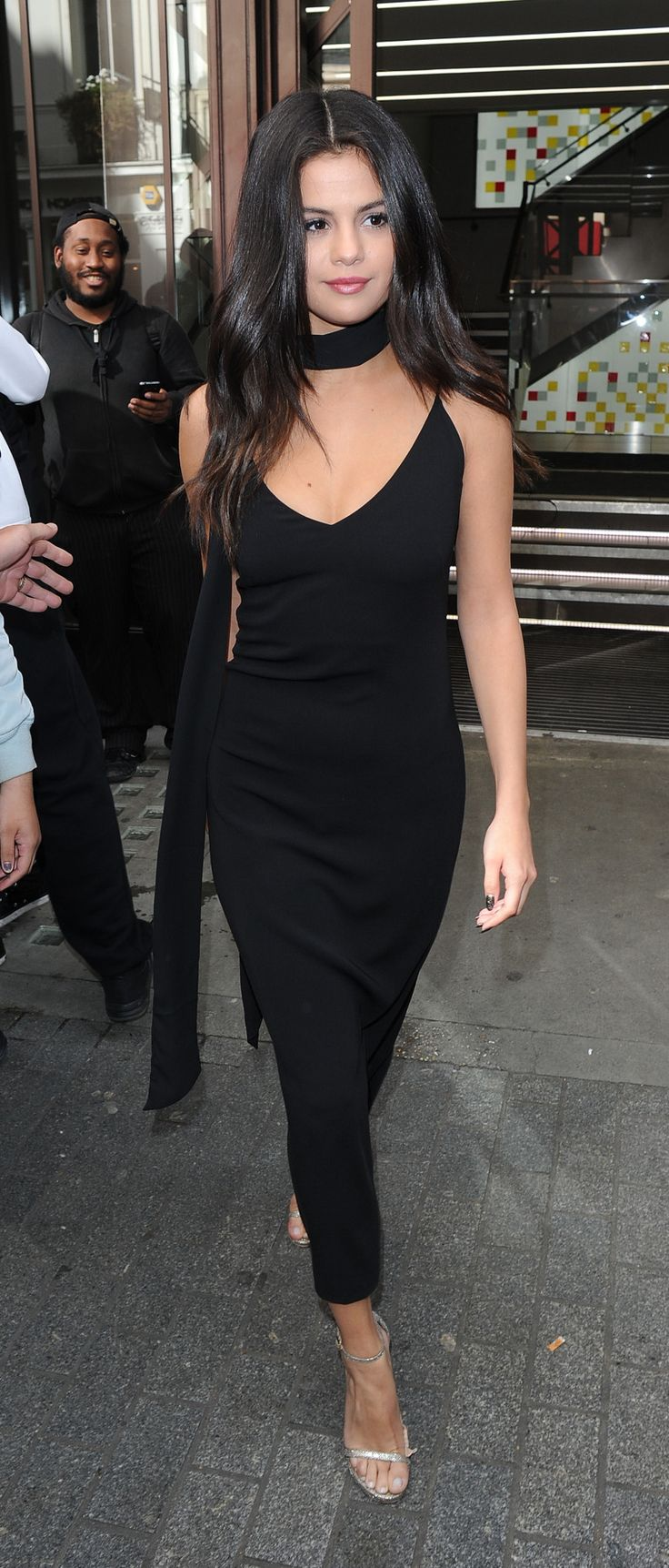 Selena leaves VEVO London Offices.