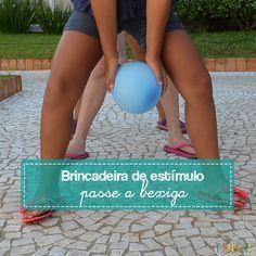 Passa Bexiga é uma brincadeira que a gente aprende na escola geralmente, mas funciona muito bem em casa, inclusive com os adultos participando
