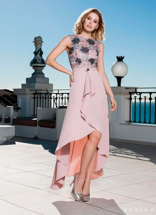 77c82f091897 Vestido asimetrico con top de encaje de Sonia Peña - Comprar Online ...