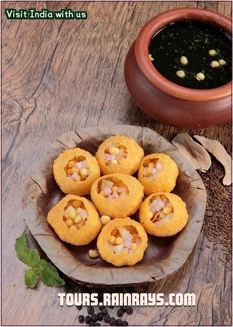 Tourist Attraction India: Indian Food : Pani Puri   My favorite!!
