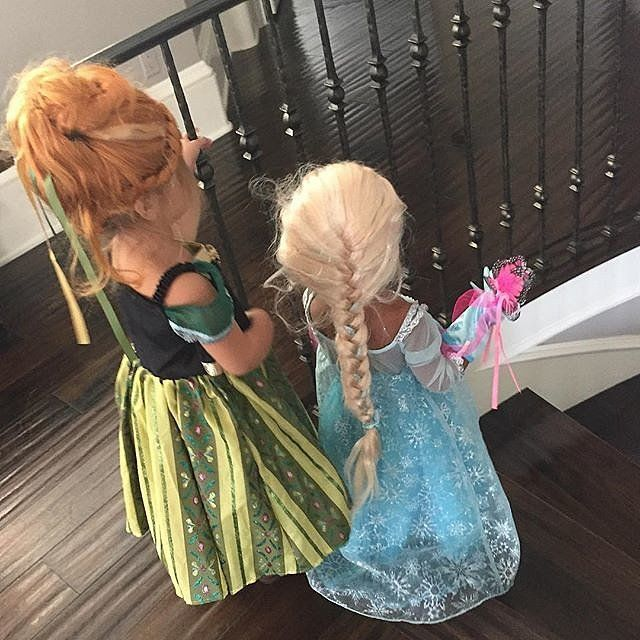 North West and Penelope Disick made for two adorable Frozen princesses a few days before Halloween.