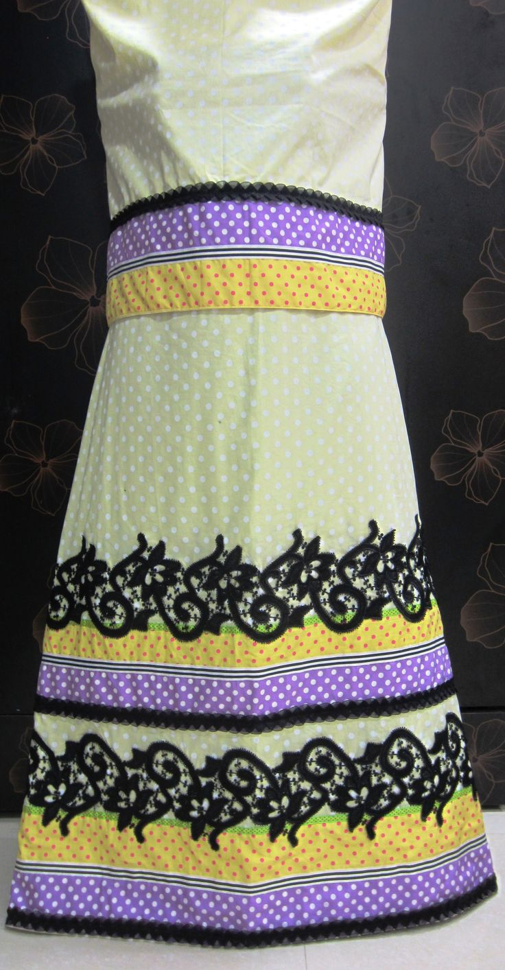 Description - Mellow yellow polka dot rida designed with contrast panels, trims and an intricate black Guipure lace offering a stylish contemporary look to this creation.  INR. 2460/-  Contact +919819933762 www.feisafashion.com Pinterest - http://pinterest.com/feisafashion Instagram - http://instagram.com/feisafashion Facebook - http://facebook.com/feisafashion