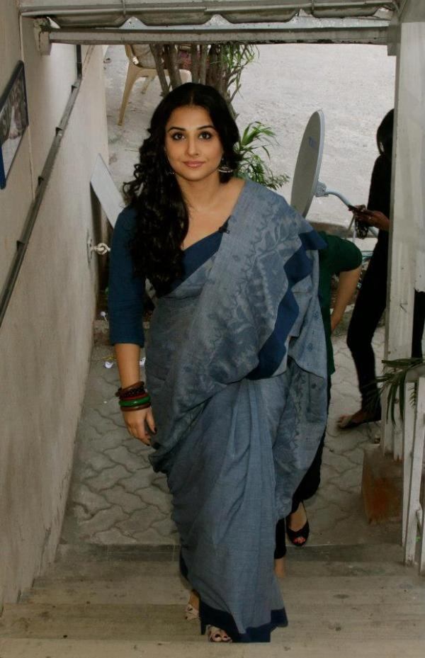 Vidya Balan ! Looking fabulous in a woven sari!!