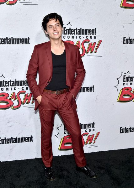 Cole Sprouse Photos - Cole Sprouse at Entertainment Weekly's annual Comic-Con party in celebration of Comic-Con 2017 at Float at Hard Rock Hotel San Diego on July 22, 2017 in San Diego, California. - Entertainment Weekly Hosts Its Annual Comic-Con Party at FLOAT at the Hard Rock Hotel