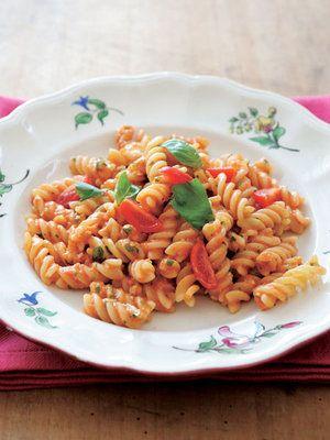完熟トマトで作る生ソースパスタ|エル・オンライン #ロー