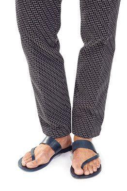 Sandals for Men Gain Ground