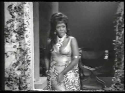 """Shirley Verrett as Dalila """"Mon coeur s'ouvre a ta voix"""""""
