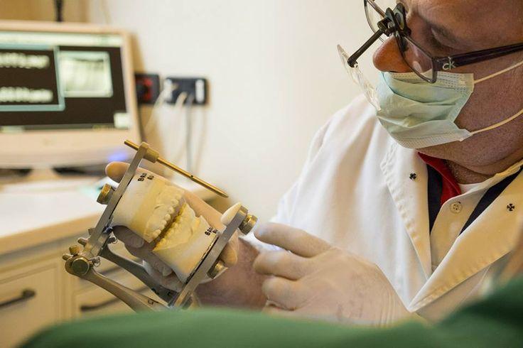 http://www.degidi.it/ L'odontoiatria ha fatto moltissimi progressi nel settore degli #ImpiantiDentali ottenendo ottimi risultati soprattutto con le protesi dentarie di ultima generazione. Visita adesso!