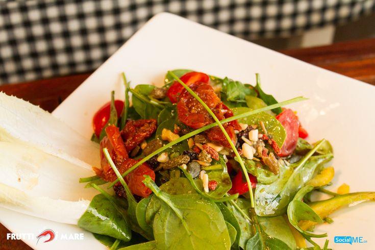 Θέλετε να αναλάβετε δυνάμεις; Η σπανακοσαλάτα του Frutti di Mare, αποτελεί την καλύτερή σας επιλογή, για μια εξαιρετικά ισορροπημένη διατροφή!