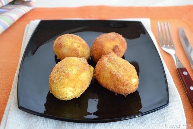 Uova alla monachina, scopri la ricetta: http://www.misya.info/2014/04/15/uova-alla-monachina.htm