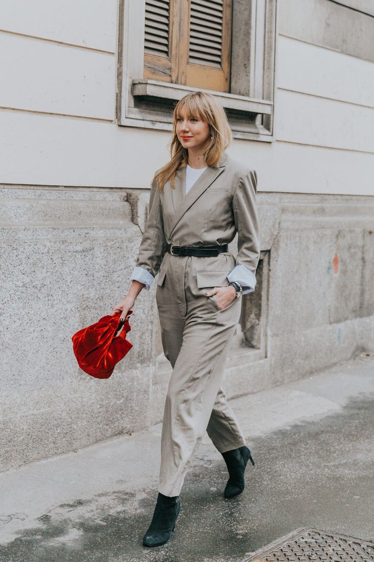 Lisa Aiken, the velvet bag from The Row and a tailor-made 'boiler suit'