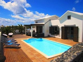 Luxury Villa (2011) uppvärmd pool, wifi, 500m strand, hav, fyrSemesterhus i Playa Blanca från @homeaway! #vacation #rental #travel #homeaway