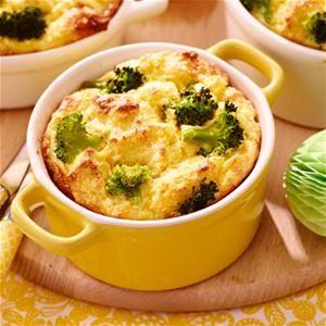 Bloemkoolkaassouffle met broccoli