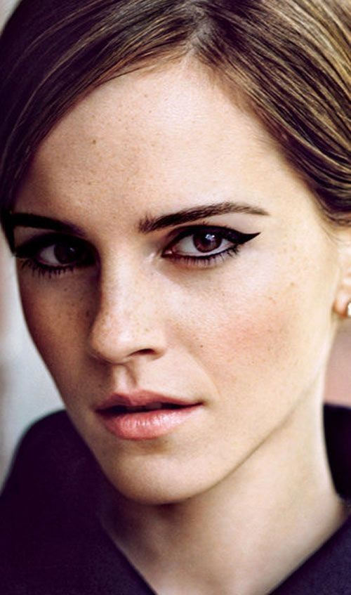 Fashion icon Emma Watson is simply gorgeous in this shot!