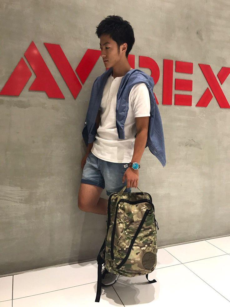 AVIREX広島店/AVIREX×Samsonite Red DAY Pack 商品名:DAY Pack NO.11917904 着用カラー:CAMO 着用サイズ:F プライス:¥ 19.000+TAX AVIREX×Samsonite Red のコラボバック遂に登場!!  これからの夏のアクセントにもなるCAMOをチョイスしました!AVIREXらしいアイテムです。