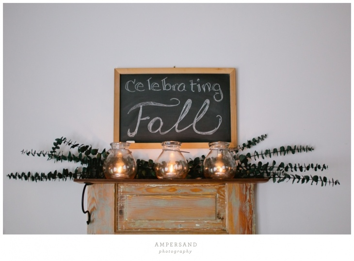 such pretty #fall entryway decor! by @Sarah Chintomby Danaher
