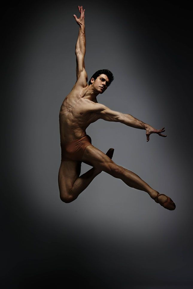 Roberto Bolle   UNBELIEVALBE AND EDIBLE I HOPE. WHAT POWER!