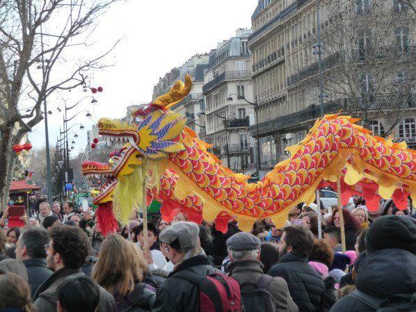 Défilé du Nouvel an chinois sur la place de la République à Paris  http://www.pariscotejardin.fr/2015/02/defile-du-nouvel-an-chinois-sur-la-place-de-la-republique-a-paris/
