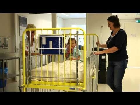 filmpje: Kiki krijgt een operatie in het ziekenhuis