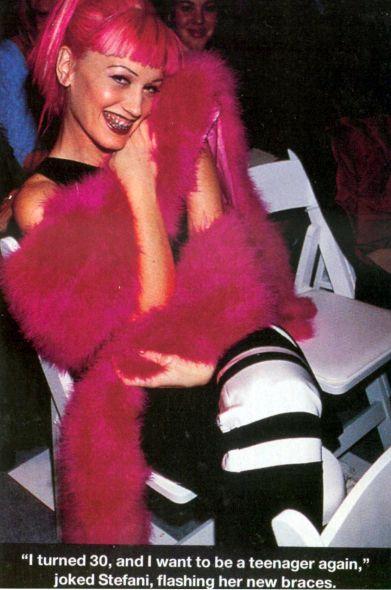 gwen: Gwen Stephanie, Stefani Fashion, Posts Piaciuti, Music Th 90S, Gwen Stefani Braces, Start Posts, Hair, Gwen Nastyg, Woman Crushes