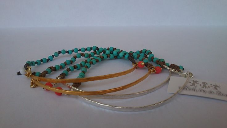 Tanned skin ...  Bracelets hammered with turquoise, the perfect combination!!!     Μαυρισμένο δέρμα...  Βραχιόλια σφυρήλατα με turquoise,  ο τέλειος συνδυασμός!!!!!!!