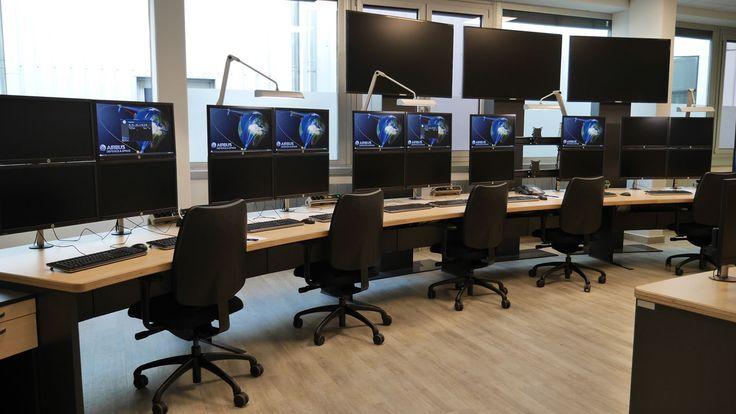 Kontrollraum, control room, Leitstelle, Technical Furniture, Konsole, Leitstand, teamlutzenberger , München
