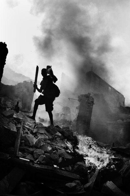 Haiti Aftermath by Jan Grarup. 2012 Leica Oskar Barnack Award Winner.