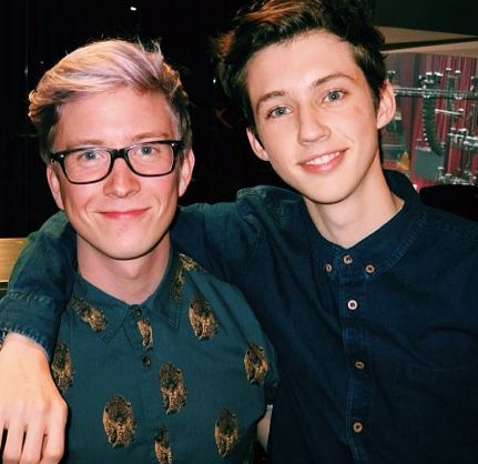 YouTuber Tyler Oakley does the Boyfriend Tag with his partner Troye Sivan