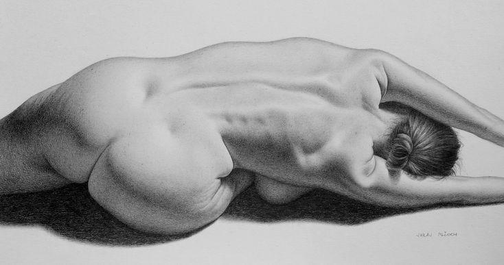 graphite pencil on paper / model: Maude Bonanni / reference by: New Masters Academy #maudebonanni #graphite #drawing #graphitedrawing #artwork #blackandwhite #woman  #fabercastell #traditionalart #graphiteonpaper #nudeartistic #kresba #kreslenie #ceruzka #newmastersacademy #fabriano #beautifulwoman #artisticnudity #pencilgraphite  #cartafabriano #fabrianobristol #nudefemale  #traditionalart #art