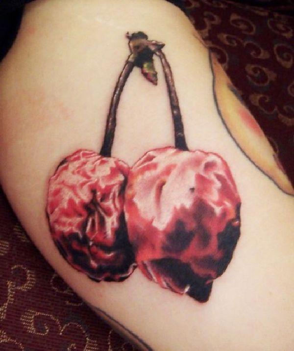 .  . Motiv mit vielen Bedeutungen Kirschen werden meist als recht kleine Tattoos gestochen. Viele Kirschen haben ihren Platz in der Stilrichtung Realistik auf der Haut gefunden, aber auch als Comic oder Black & Grey Motiv sieht die Kirsche stets toll aus. Die Kirsche gilt als ein Symbol der Unschuld…