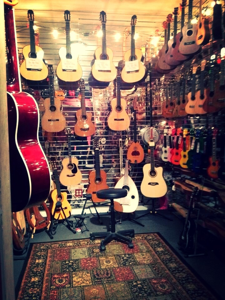 Chicago music store called Andy's off of Belmont  #music #musicstore #guitars #Chicago