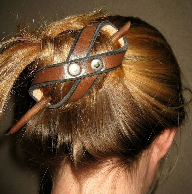Leather Bun Holder 3 for 2195 Dollars Free by MasterHideLeather