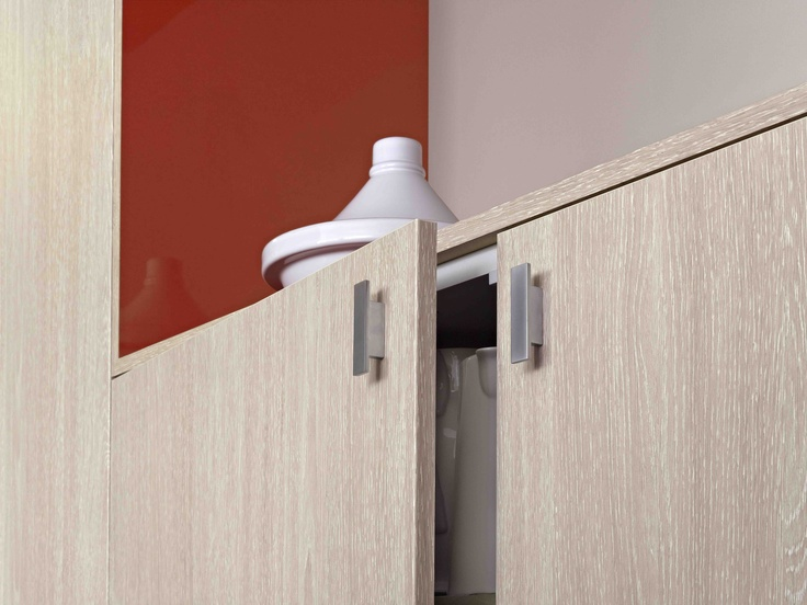 Laminex Contour Finedge doors Whitewashed Oak. Styling Wendy Bannister. Photography Earl Carter.