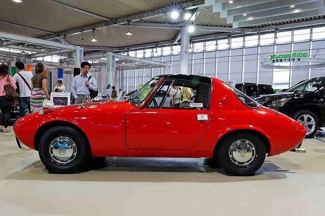 Toyota S800 DSC: Toyota's Miata from a long time ago. Would love Toyota to bring back another affordable convertible.