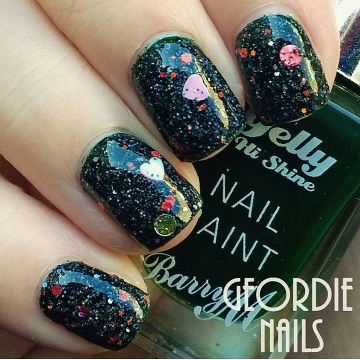 339 best nail art designs get the look at charliesnailart charlies nail art queen of hearts nail glitter mix 075 https prinsesfo Choice Image