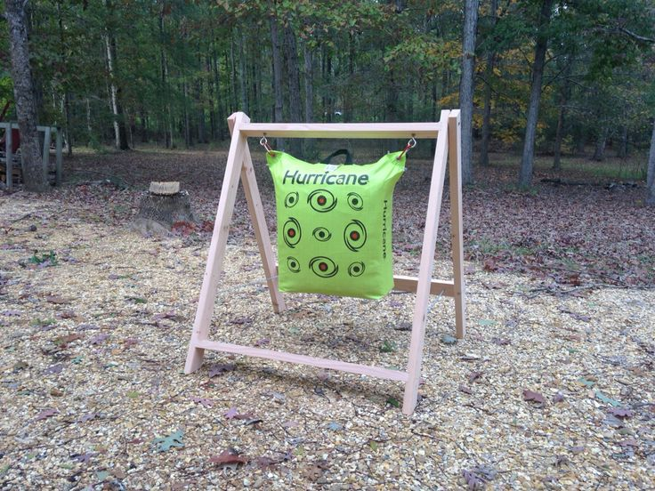 A frame archery target stand