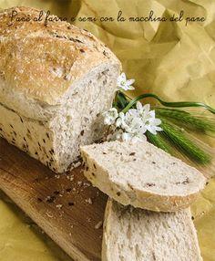 Pane al farro e semi con la macchina del pane