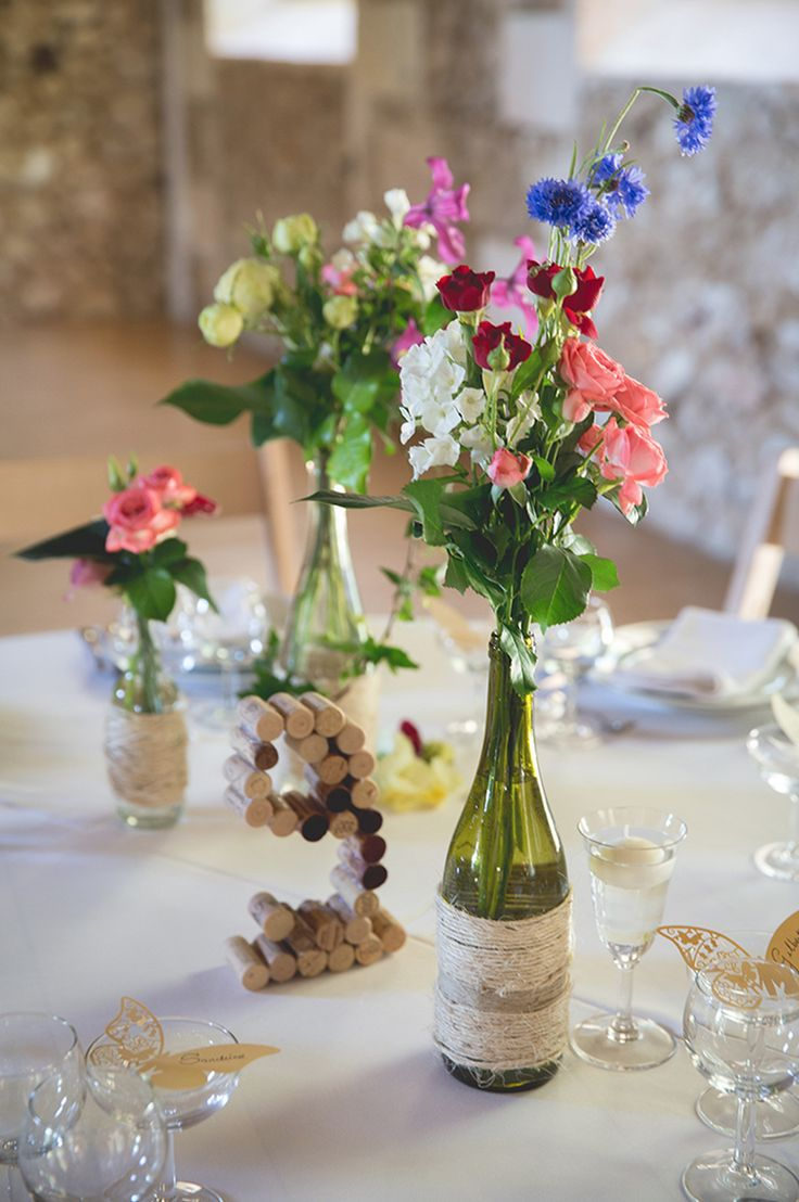 numéros de tables en bouchons de vin