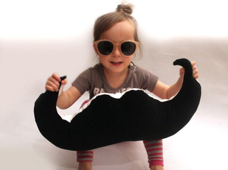 Schnurrbart Kissen ♥ Mustache ♥ von pickNicker auf DaWanda.com