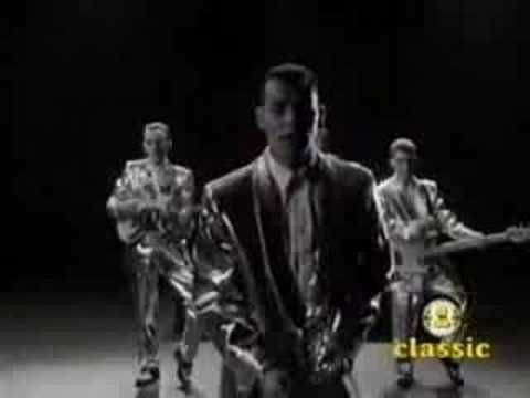 Fine Young Cannibals -Suspicious Minds - ONE OF MY FAVE VERSIONS - GOLLY I LOVE THESE GUYS! Oh Roland you were such a GIFT!
