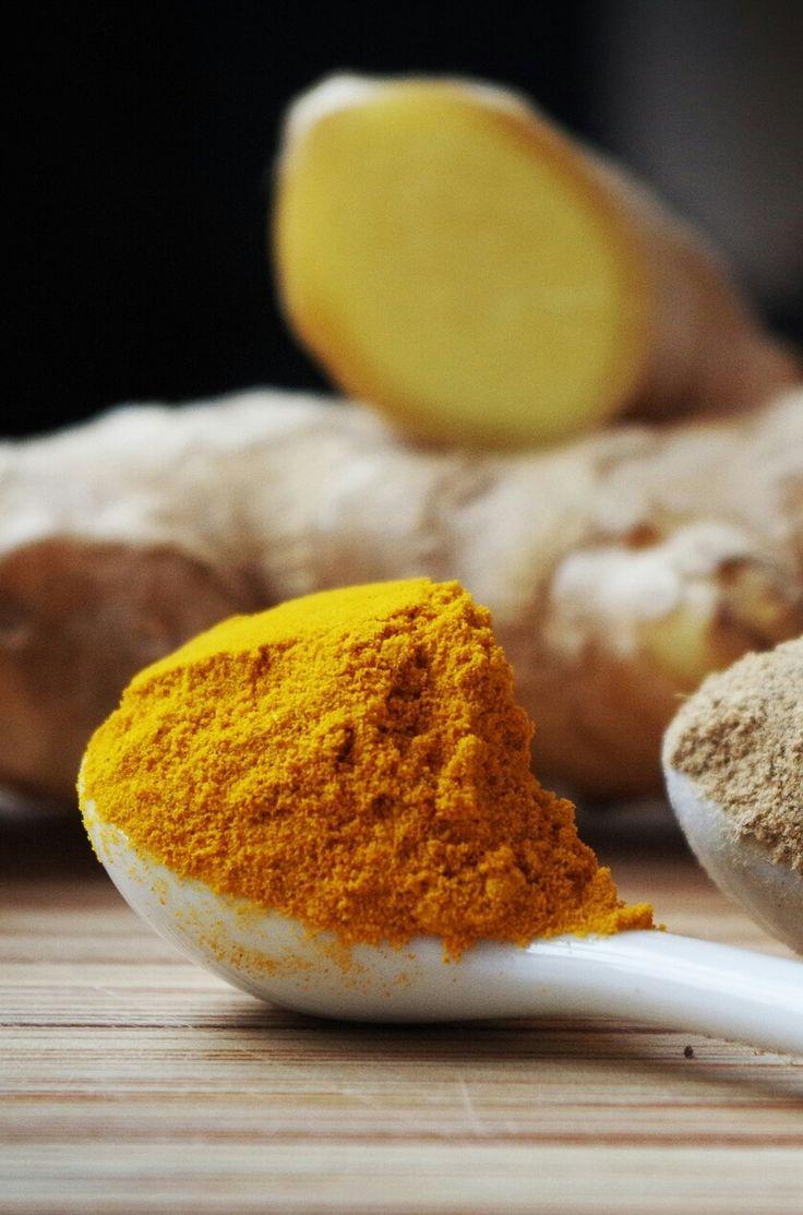 Kurkuma czyli ostryż jest przyprawą o intensywnie żółtym kolorze. Możemy korzystać z jej barwiących i leczniczych właściwości. ...