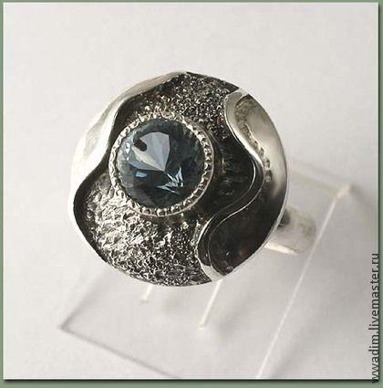 Кольца ручной работы. Ярмарка Мастеров - ручная работа Кольцо с голубым топазом 3. Handmade.