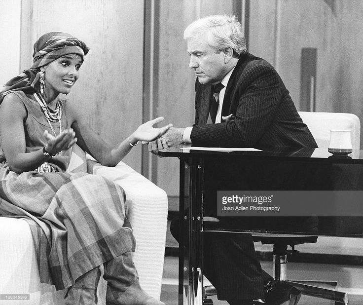 Merv Griffin interviews Shari Belafonte on June 12, 1985 on The Merv Griffin Show in Los Angeles, California.